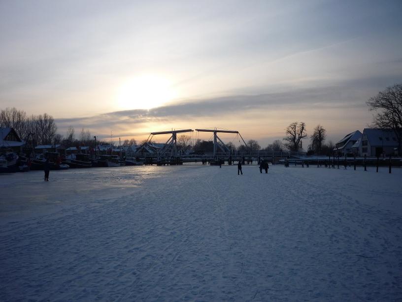 Brücke Wieck - gefrorener Ryck