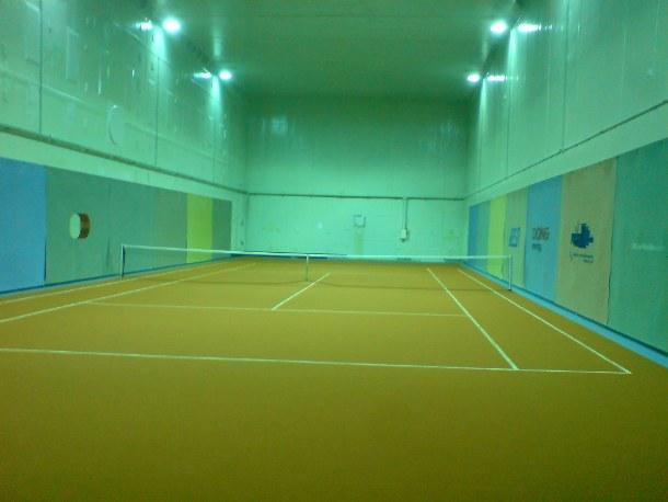 Tennisplatz im Block 6 des KKW Lubmin