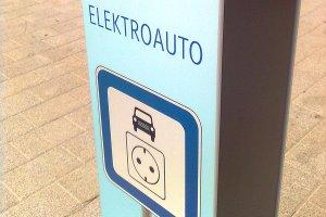 Schild Elektroauto Aufladestation