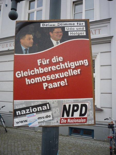 Homophobes Fakeplakat der NPD