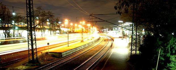 Bahnhof in der Nacht