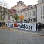 Friedlicher Protest vor Kreistag gegen NPD